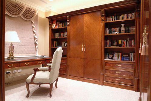 雅致沉稳美式风格原木色书房图片