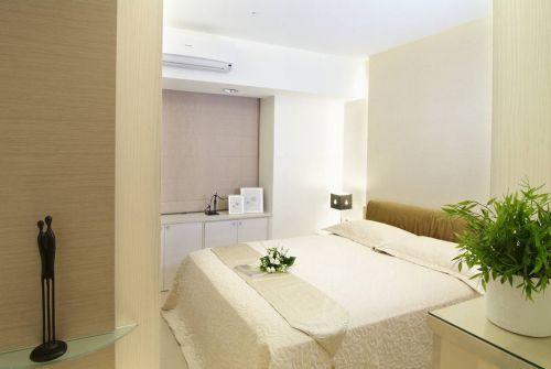现代风格素雅米色卧室装饰设计图片