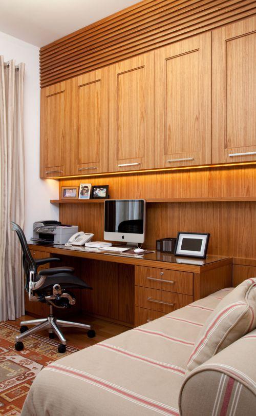 原木中式卧室书桌案例