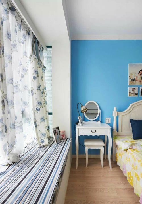 蓝色地中海卧室飘窗赏析