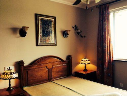 东南亚风格低调黄色卧室装修图片