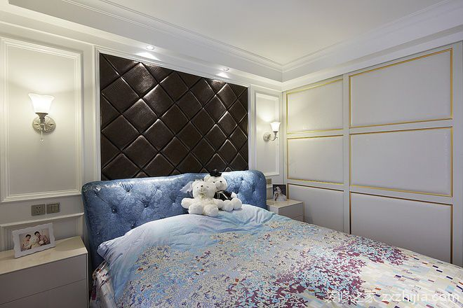 米色欧式风格卧室床头软包效果图欣赏