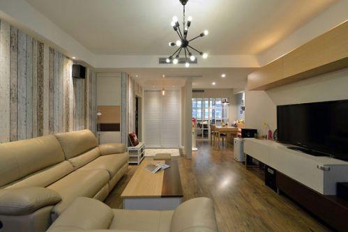 现代风格四居室客厅过道设计图片