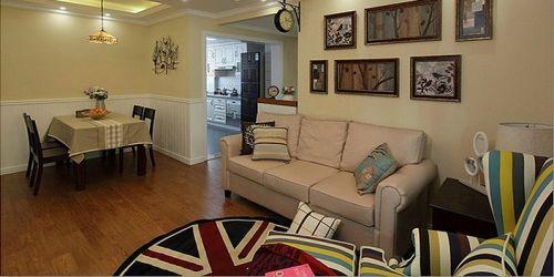 现代二居客厅沙发背景墙设计