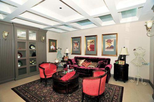 简约美式风格三居室客厅照片墙