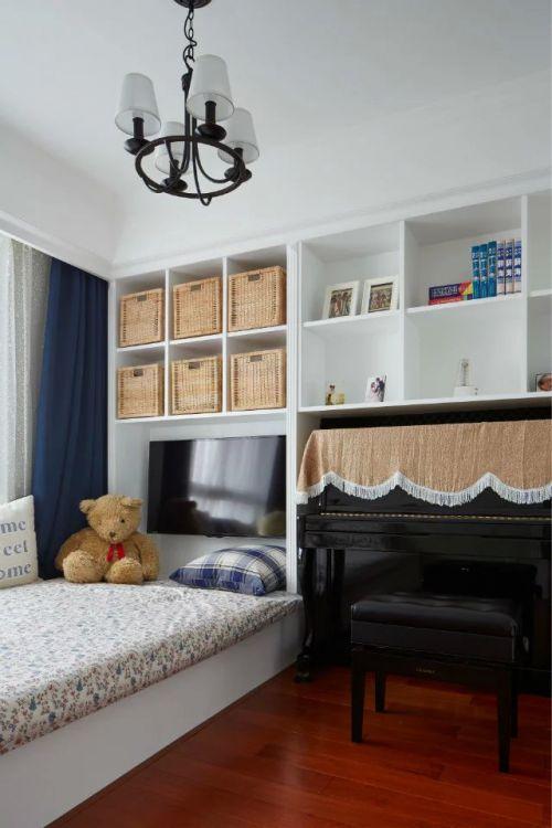 现代卧室收纳柜电视装修效果图
