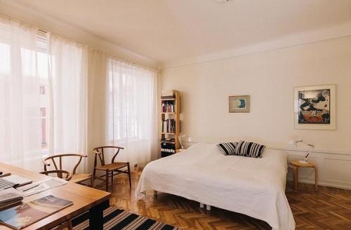 75平北欧公寓卧室飘窗图片