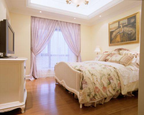 大气美式风格别墅卧室窗帘设计