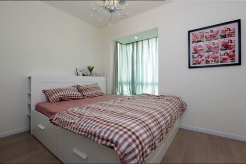 悦澜湾美式简约卧室装潢设计