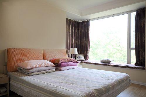 美式风格卧室飘窗设计