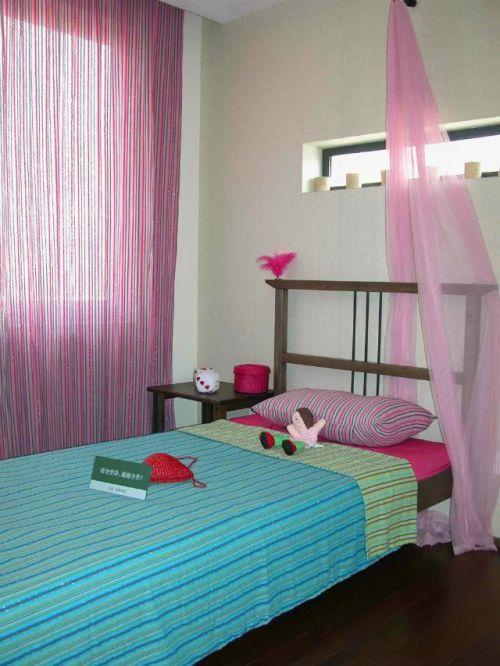 东南亚儿童房窗帘装饰设计