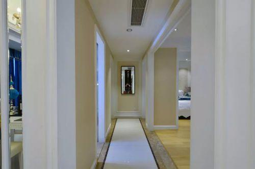 建构风格卧室过道设计图片