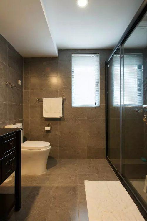 卫生间沐浴房地砖装修隔断效果图