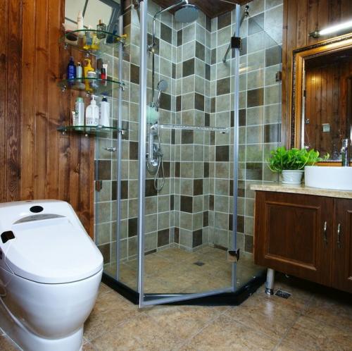 美式风格别墅卫生间装修图片
