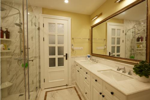 美式别墅卫生间浴室柜图片