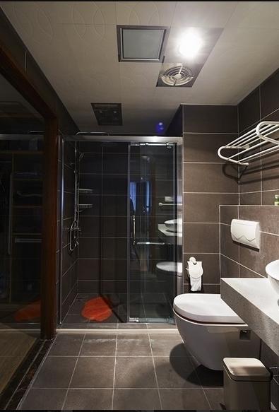 四室两厅混搭风格卫生间装修设计