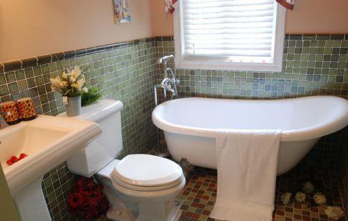 91平美式田园风格浴室浴缸图片