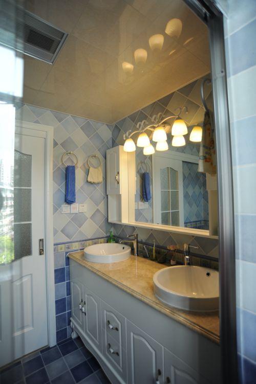 舒适地中海风格两居室卫生间背景墙装修图
