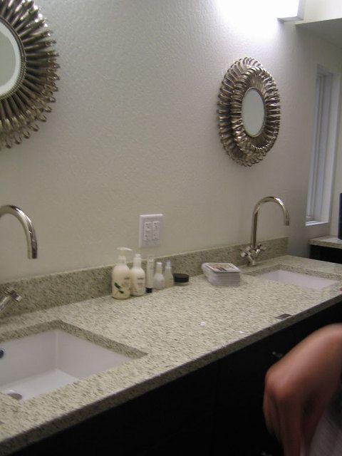 简约欧式风格两居室卫生间面盆效果图