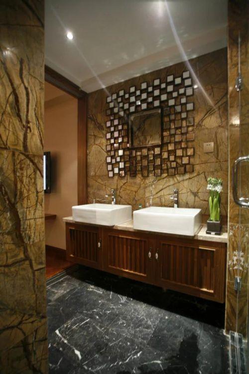 东南亚风格卫生间浴柜装修效果图