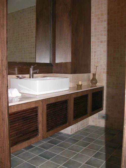 东南亚卫生间浴室柜装修实例