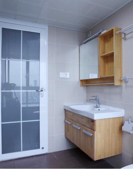 日式卫生间浴柜图片
