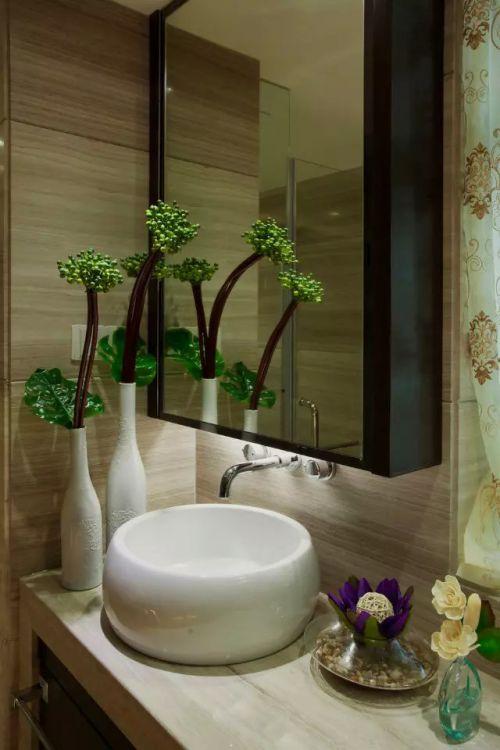 内卫浴室镜装修效果图