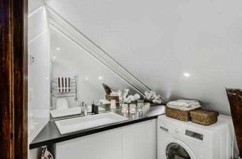 阁楼公寓卫生间设计效果图