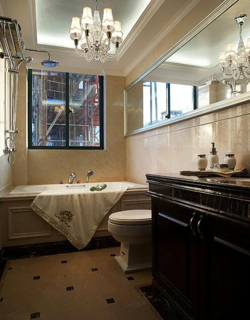 新古典风格浴室浴缸效果图