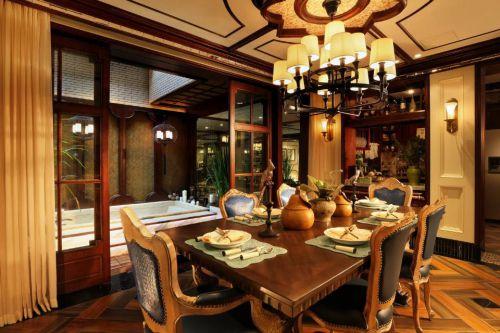 美式风格餐厅吊灯餐桌装修图片
