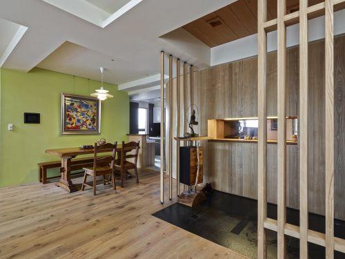 日式风格复式家装餐厅隔断设计案例