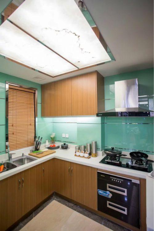 厨房吊灯橱柜装修效果图