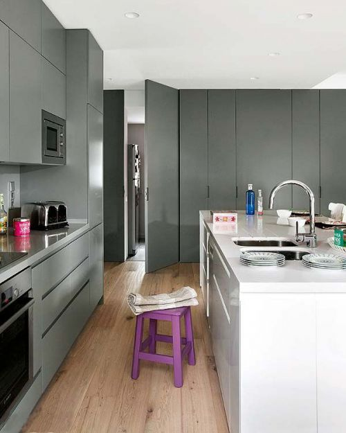 现代风格厨房过道图片
