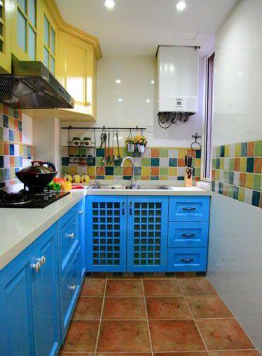 温暖地中海两居厨房整体橱柜装修效果图