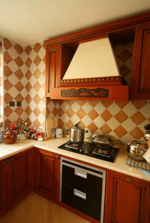 东南亚厨房橱柜风格装修设计