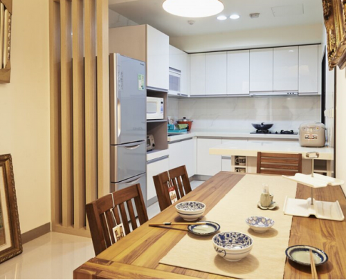 日式家居开放式厨房效果图