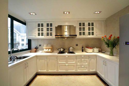 纯白色厨房橱柜效果图