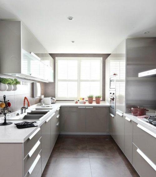 通透明亮的厨房效果图