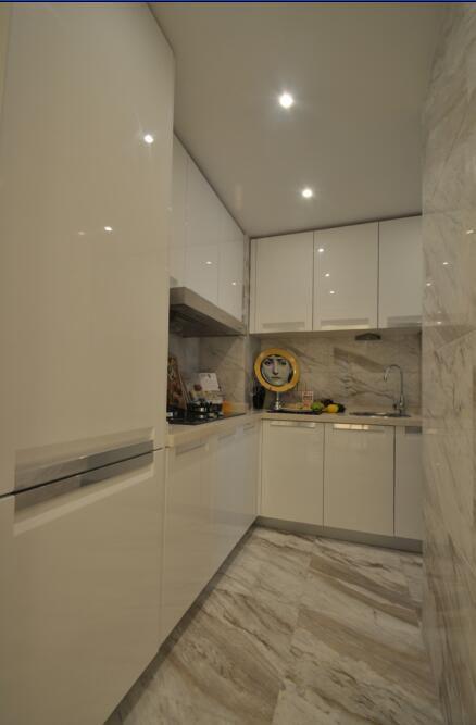 87平新古典风格厨房橱柜效果图