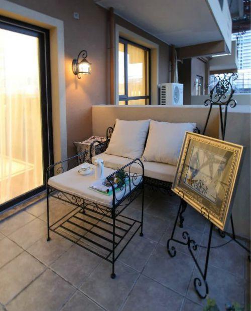 阳台沙发装修设计图片案例