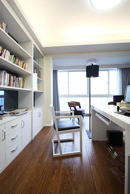 三居室简约书房工作区图片