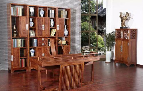 中式书房博古架装修设计