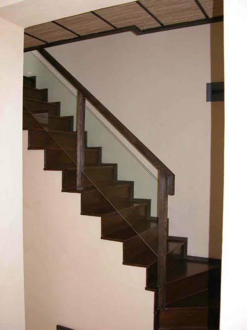 东南亚楼梯装修图片案例