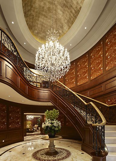 美式风格楼梯吊顶装修设计