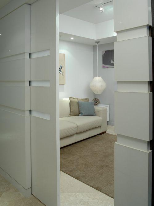 现代简约风格客厅白色隐形门装修效果图