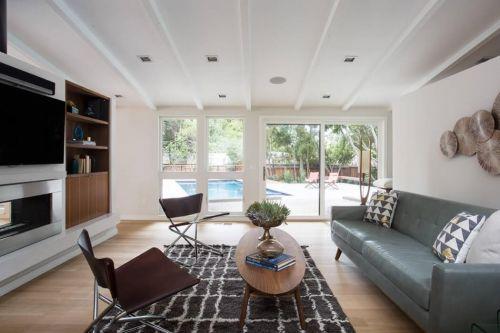 现代风格黑色家具软装客厅装修效果图