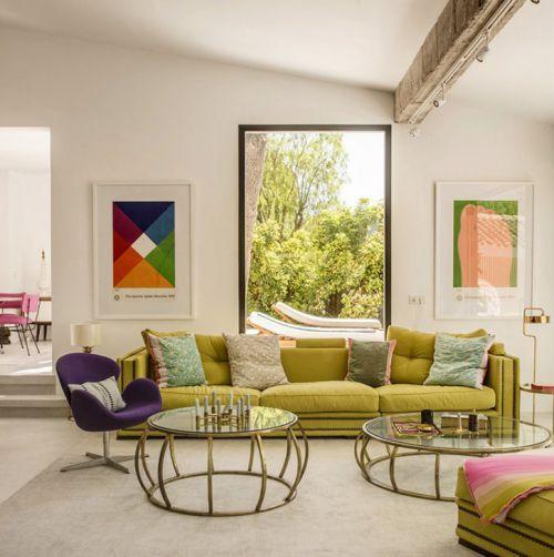 现代风格清新放松客厅绿色沙发实景图