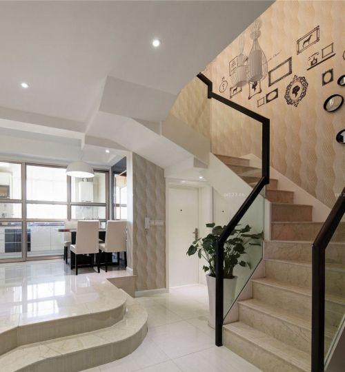 现代简约风199平五居楼梯装修效果图