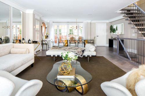 现代风格时尚别墅客厅茶几装修图片