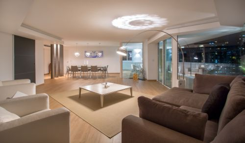 素雅简约现代风格客厅装修实景图